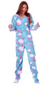 cupcakes pajamas cupcake footie pjs i want some footy pjz