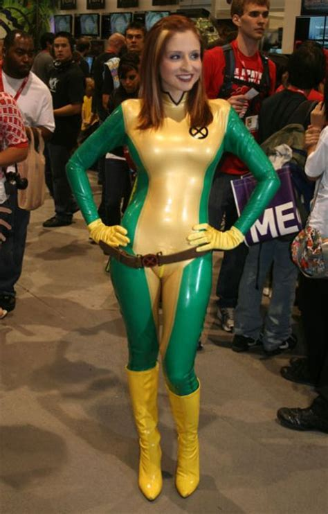 imagenes a latex hot girls in latex cosplay outfits 23 pics