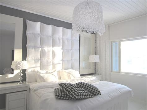 Cushion Headboard Ideas by 25 Best Ideas About Cushion Headboard On Grey Bedrooms Bed Linen And Grey