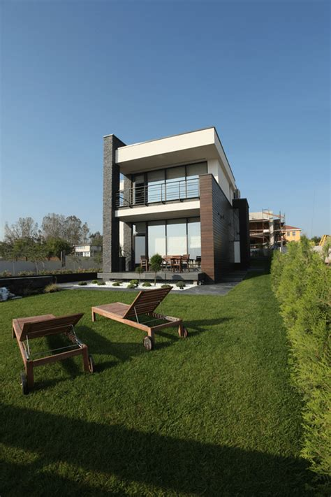 house architectural luxurious contemporary houses in romania europe