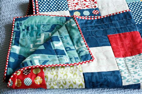 free easy pattern quilt as headboard cosmo cricket