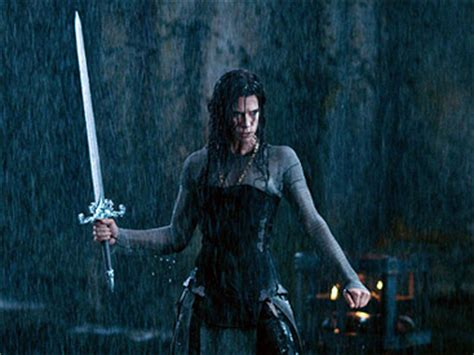 film underworld rise of the lycans online subtitrat first look rhona mitra in underworld rise of the lycans