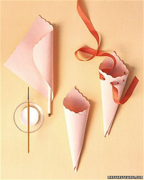How To Make Paper Cones For Flowers - 25 best ideas about paper cones on wedding
