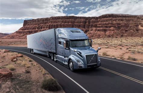 volvo big rig trucks news volvo vnl semi trucks feature numerous self driving