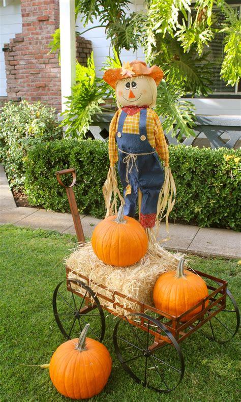 Scarecrow Garden Decor Scarecrow Wagon Straw Pumpkins Fall Decorating Ideas Pinterest Scarecrows And