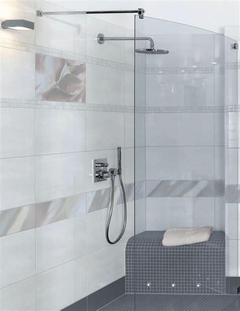 dusche mit sitz fishzero dusche sitzbank gemauert verschiedene