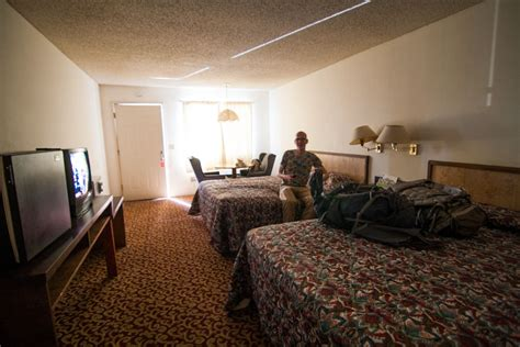 image gallery motel room with 1 inside