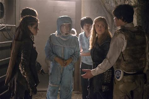 the 100 season 3 release date the 100 season 3 cw release date news reviews