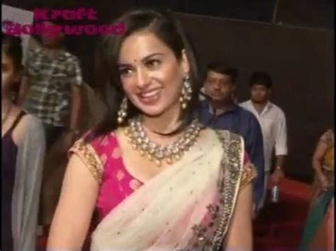Kangana Ranaut in Spicy Pink Saree - YouTube