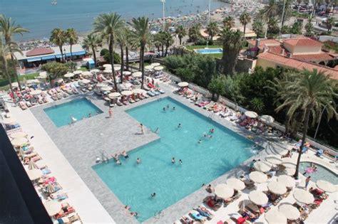 cadenas hoteleras andaluzas torremolinos se afianza como uno de los destinos con mayor