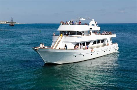 yacht for groups boat trip in cyprus - Party Boat Paphos