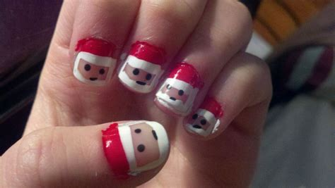 Women Beauty Tips: 10  Sizzling Christmas Nail Polish Ideas