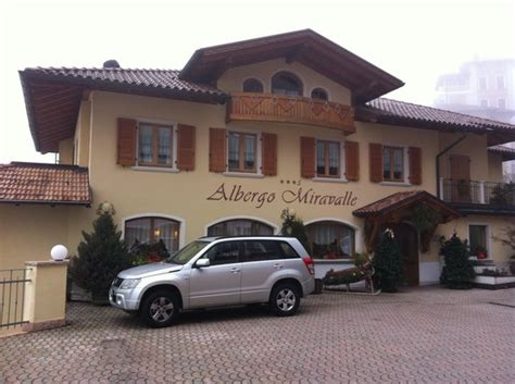 ingresso albergo ingresso foto di albergo miravalle fai della paganella