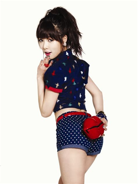 hyuna looks fancy in her new clriden photoshoot koogle tv hyuna wants a kiss in new quot g by guess quot caign