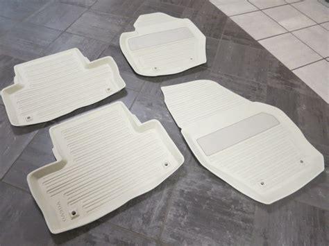genuine volvo xc60 winter rubber floor mats soft beige 9831426161