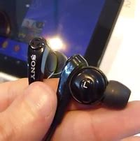 Headset Sony Z2 sony xperia z2 is coming with active noise cancellation technology for headphones