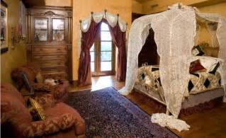 Luxurious Curtains Drapes Luxurious Living Decorate Your Bedroom In Victorian Style