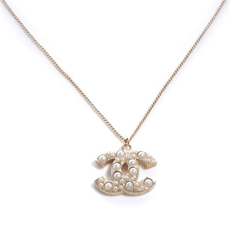 chanel pearl cc pendant necklace gold 56703