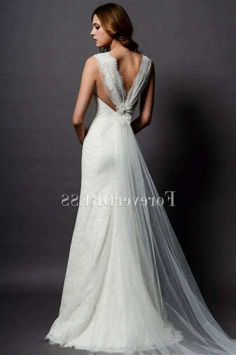 Wedding Dresses For Short Hourglass Figures   Wedding