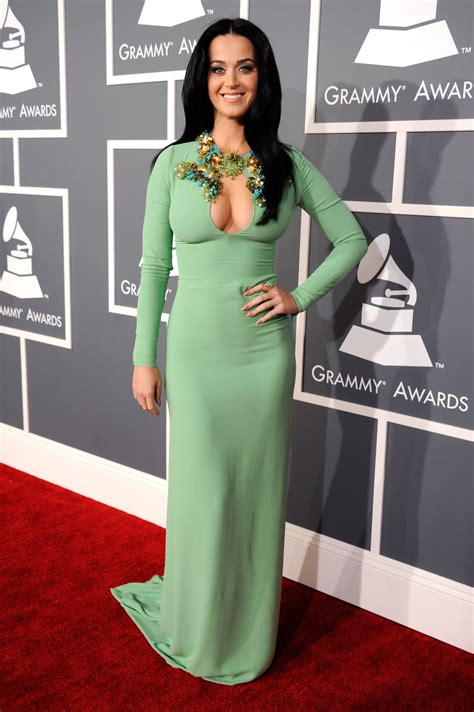 goes at the grammys entertainment katy perry goes green for the