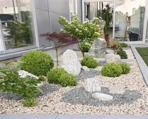 gartengestaltung mit steinen vorgartengestaltung mit kies modern kunstrasen garten