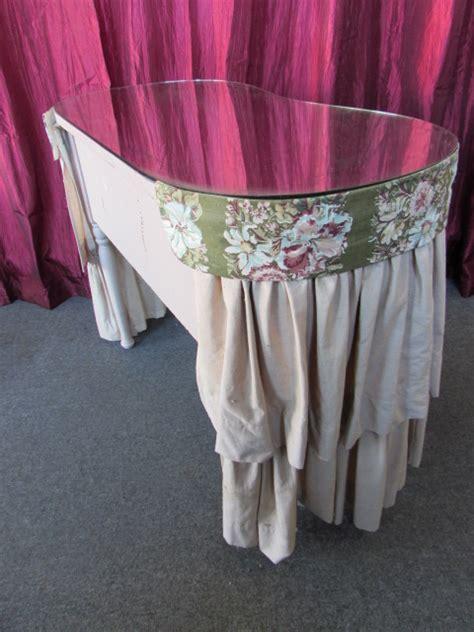 Vanity Skirts by Lot Detail Vintage 3 Drawer Dressing Table Vanity With