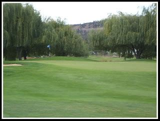 bend oregon photos: meadow lakes golf course