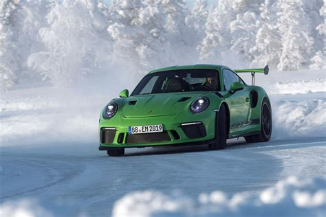 new porsche 911 gt3 rs new porsche 911 gt3 rs unveiled before geneva debut