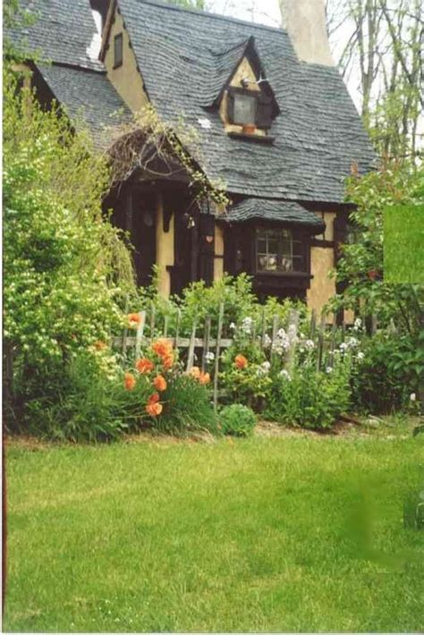 the cozy charm of english cottages sheri martin interiors english cottage house photos
