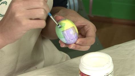 Blown Eggs Decorating Ideas by Sealing And Preserving Easter Eggs Monkeysee