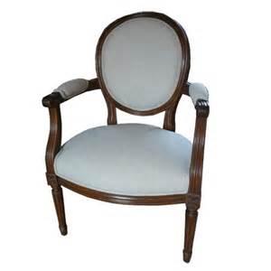 fauteuil style lxvi trianon garni la salle des ventes du