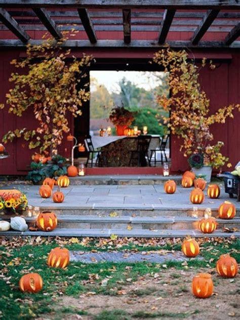 36 Awesome Outdoor D 233 Cor Fall Wedding Ideas Weddingomania Fall Backyard Ideas