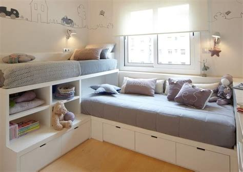 clever storage ideas for small bedrooms 25 best ideas about small kids rooms on pinterest small