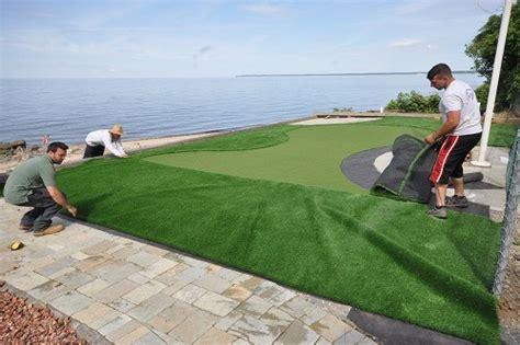 creating the perfect backyard putting green