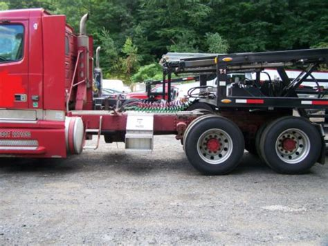 buy   volvo vnl  day cab tractor tandem axle  southington connecticut united