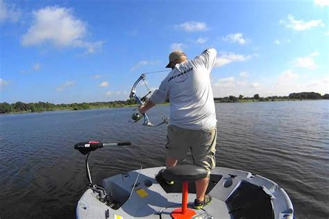 1 man fishing boat fishing and bowfishing from a one man round boat