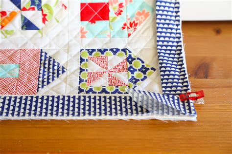 How Bind A Quilt by Tutorial How To Bind A Quilt Quilt Binding Tutorial