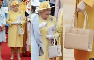 queen elizabeth handbag handbag signals from queen elizabeth landlordrocknyc