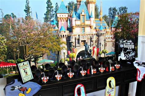 when do they take decorations at disneyland 28 images