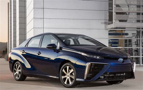 honda and toyota fcv world debuts with headwinds page 2
