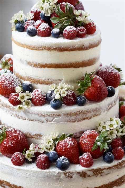 Hochzeitstorte Im Sommer by Cake Mit Beeren Fraustillerbackt Leckere Sachen