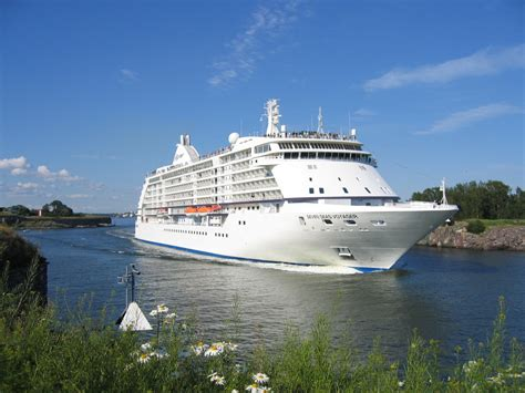 why should you travel in a cruise ship world for travel