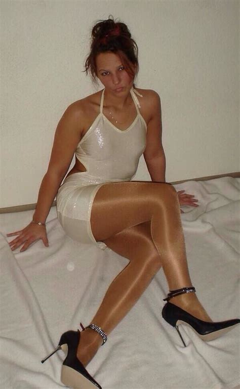 why are tamrons legs always shiny 183 best images about shiny nylons on pinterest sexy