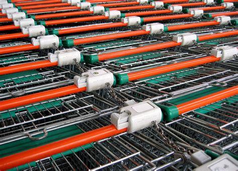 supermarkt wagen supermarkt wagen kostenlose stock fotos rgbstock