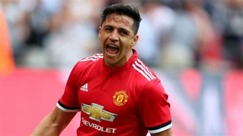 alexis sanchez goal vs spurs man utd vs tottenham alexis sanchez continues his