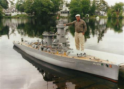 model boat guns man builds 30 ft model replica of a battleship 171 twistedsifter