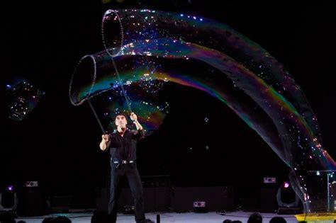 fan yang bubble show fan yang s gazillion bubble show