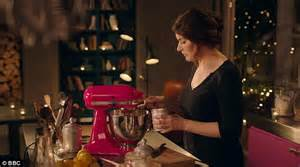 i ve the cup so it slips out easily nigella s