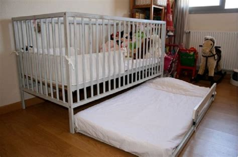 Crib Trundle by Trundle Bed Crib For Child Small Space