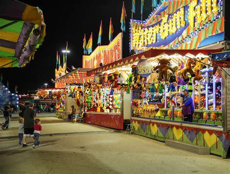 Water Gun Fun Game At Carnival 4242960 1586x1200 All Carnival Ocm